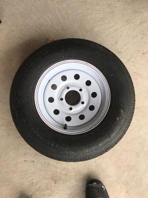 Five lug tire for Sale in Palmetto, FL