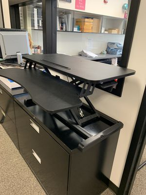 Standing desk top for Sale in Cosmopolis, WA