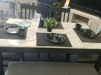 Luvoni White/Charcoal Dining Set ⭐ Table and Chairs for Sale in Round Rock,  TX