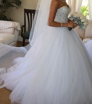 Beautiful wedding dress for Sale in Rancho Cucamonga, CA