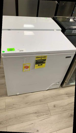 MAGIC CHEF HMCF7W4 chest freezer SOZ for Sale in Corona, CA