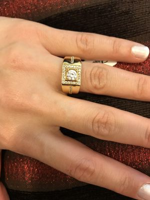 Unisex 18K Gold plated Engagement/Wedding Ring for Sale in Los Angeles, CA