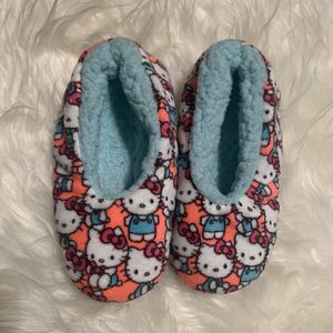 Hello Kitty Slippers For A 7-10 Years Old for Sale in Phoenix, AZ