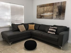 Sectional sofa for Sale in Hialeah, FL