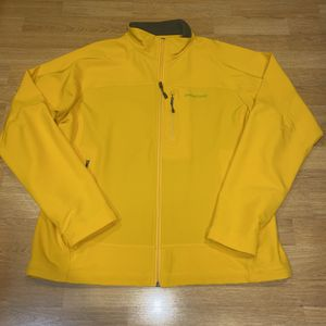 Patagonia Soft Shell Men's L Yellow Jacket for Sale in Portland, OR