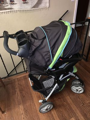Graco stroller ,car seat and the base for Sale in Burien, WA