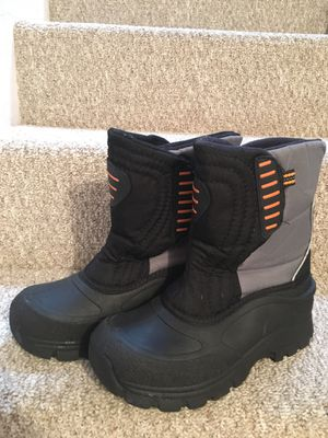 Snow boots, adult/big kid size 5 for Sale in San Diego, CA