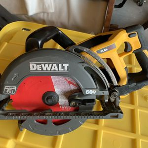 DEWALT FLEXVOLT CIRCULAR SAW $217 OBO for Sale in El Paso, TX