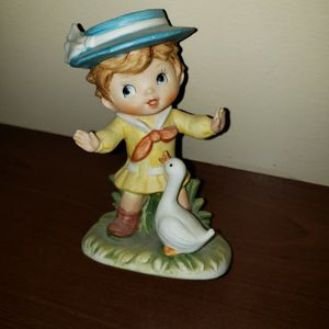 "Little girl & duck ceramic figurine 4 1/2"" tall for Sale in Zanesville, OH"