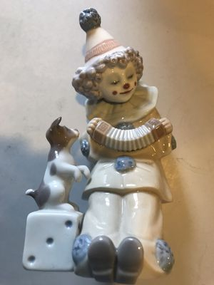 "Lladro 5279 Pierrot & Concertina w/ Puppy Dice Clown 6"" Tall Porcelain Figurine for Sale in Raleigh, NC"