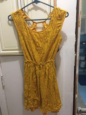 Chelsea & violet yellow dress for Sale in Hendersonville, TN