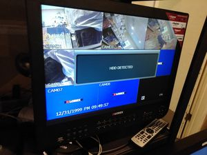 All in one security system with 4 cameras and Screen DVR all in one for Sale in Modesto, CA