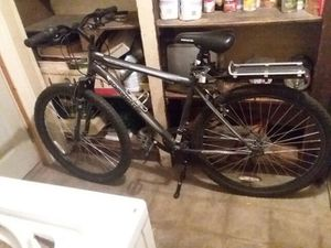 Roadmaster assault 18 speed for Sale in Hazelwood, MO