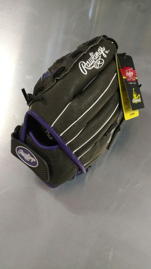 Softball baseball glove for Sale in Galloway, OH