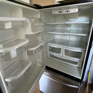 Kitchen Aid Fridge Nice Condition for Sale in Federal Way, WA