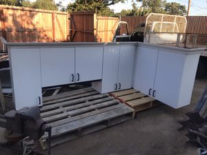 3 pc Kitchen Cabinet Set for Sale in Fresno, CA