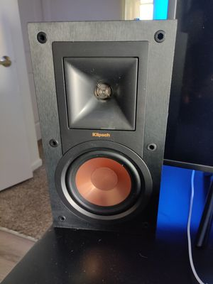 Klipsch speakers set of two with box for Sale in Littleton, CO