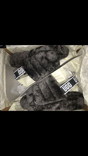 UGG FLUFFY SLIDES SIZE 5 BRAND NEW for Sale in San Diego, CA