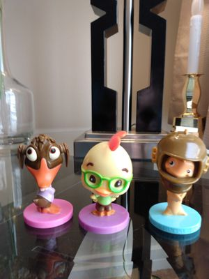 """Set of 2005 Kelloggs Cereal Disney 3"""" Chicken Little & Fish Out of water Bobbleheads & Abby Mallard for Sale in Belleville, MI"""