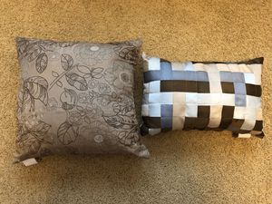 Tan throw pillows, set of two for Sale in Galt, CA