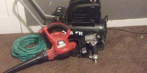 Conpresor husky sopladora de luz y pistola de roofin y manguera de 100 pz en muy buenas condisiones!! for Sale in Dallas, TX
