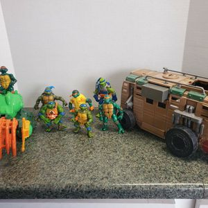 Pre-owned Teenage Mutant Ninja Turtles Mixed Lot for Sale in Buena Park, CA
