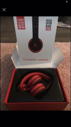 Beat solo3 wireless headphones for Sale in Greenville, NC
