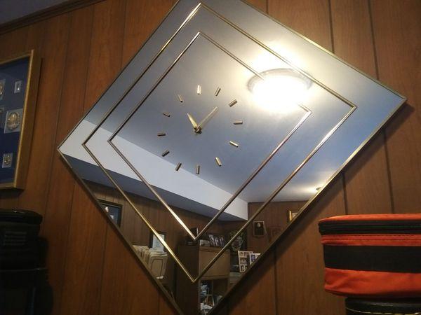 Beautiful large mirrored wall clock. (Poolesville, MD)