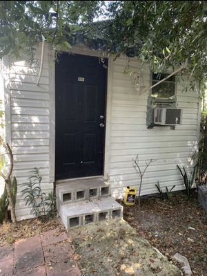 This whole guest house is for sale , it's movable anywhere for Sale in Tampa, FL