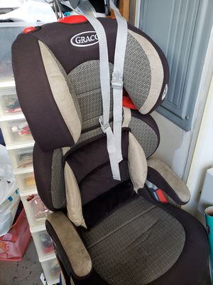 Graco Toddler Car Seat, Booster Seat, *New* Window Sunshade, and soft seat cushion for Sale in Kirkland, WA
