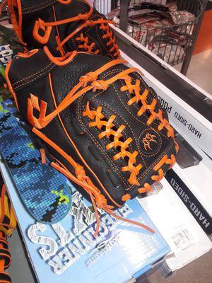 Softball baseball glove 11.75 for Sale in Roselle Park, NJ