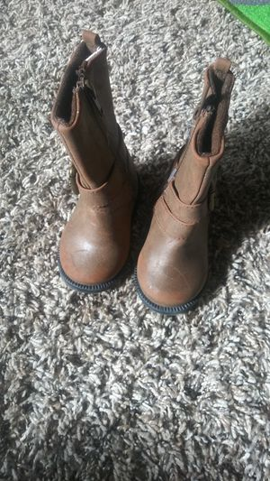 Size 3 baby girl boots for Sale in Apple Valley, CA