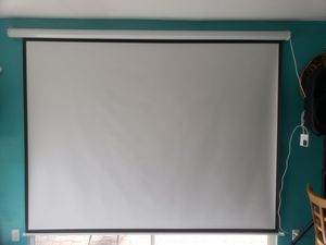 Pyle projecter and projecter screen Screen size 8ft wide 72 1/2 high works perfectly and great condition for Sale in West Palm Beach, FL