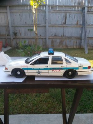 Diescast 1.18 chicago police car is toy for Sale in Norwalk, CA