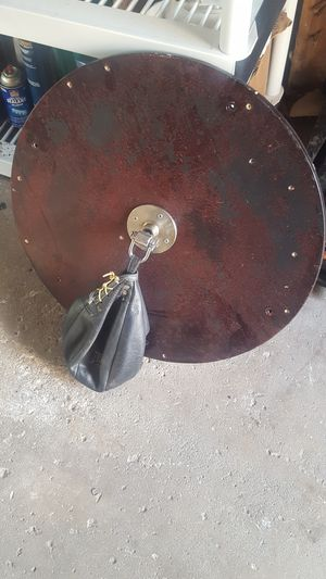 Speed bag and mount needs a new bag for Sale in New Chicago, IN