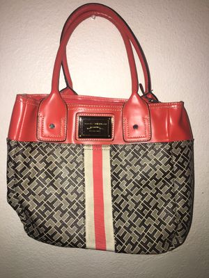 Tommy Hilfiger hand bag for Sale in Spring Valley, CA