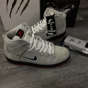 Nike SB Wolf In Sheep's Clothing Deluxe Set With Accessories for Sale in Las Vegas, NV