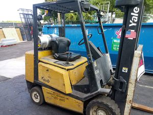 Yale forklift (no side shift) for Sale in West Palm Beach, FL
