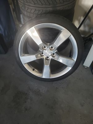 20 inch wheel for 10-19 camaro with spare black rim and tire for Sale in Las Vegas, NV