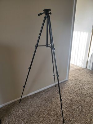 """60"""" Tripod. Used only a couple of times. for Sale in Clearwater, FL"""