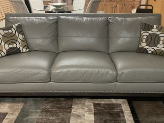 Brand New Leather Couch for Sale in Westchester,  IL