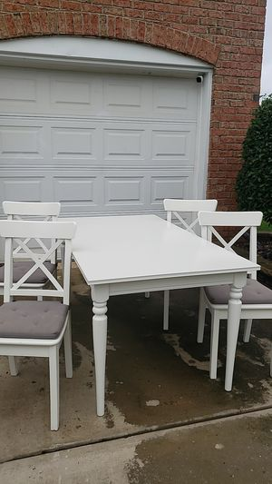 Dinette set with leaf for Sale in Charlotte, NC