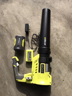 RYOBI 110 MPH 525 CFM 40-Volt Lithium-Ion Cordless Variable-Speed Jet Fan Leaf Blower with 4.0 Ah Battery and Charger Included. for Sale in Los Angeles,  CA