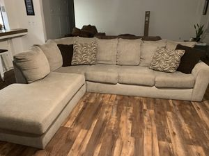 Couch sectional for Sale in Bakersfield, CA