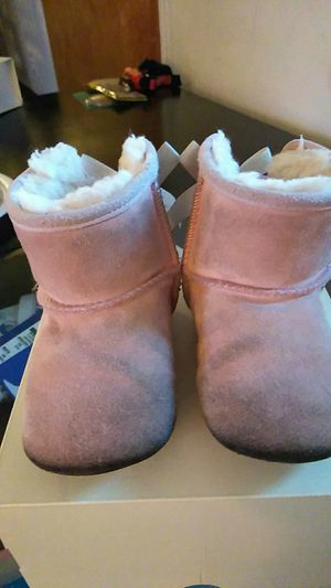Ugg boots size 5 for Sale in Anaheim, CA
