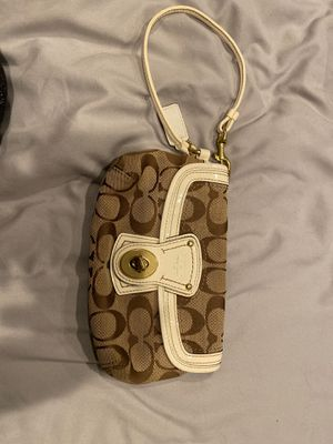 Coach wristlet for Sale in Fremont, CA