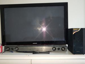 """Samsung 55"""" TV with soundbar for Sale in Raleigh, NC"""