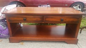 Coffee table for Sale in Staten Island, NY