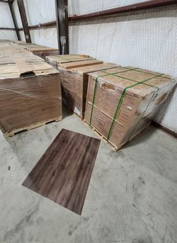 Luxury vinyl flooring!!! Only .88 cents a sq ft!! Liquidation close out! VG7 for Sale in China Spring,  TX
