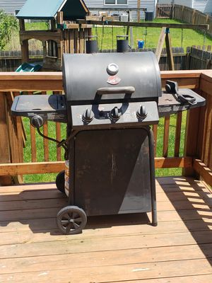 Char broil has grill for Sale in Blacklick, OH